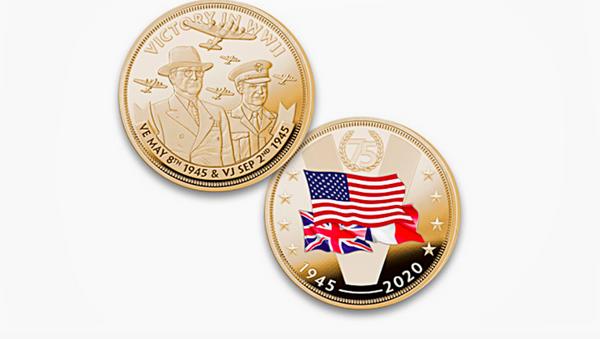 Công ty chuyên sản xuất đồ lưu niệm của Mỹ Bradford Exchange đã cho ra đồng xu nhân kỷ niệm 75 năm kết thúc Chiến tranh thế giới thứ hai với các nước đồng minh. - Sputnik Việt Nam