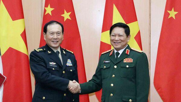 Bộ trưởng Bộ Quốc phòng Ngô Xuân Lịch đón Bộ trưởng Bộ Quốc phòng Trung Quốc Ngụy Phượng Hòa. - Sputnik Việt Nam