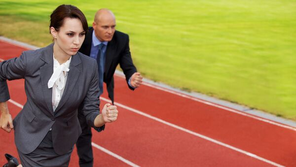 Phụ nữ và đàn ông cạnh tranh - Sputnik Việt Nam