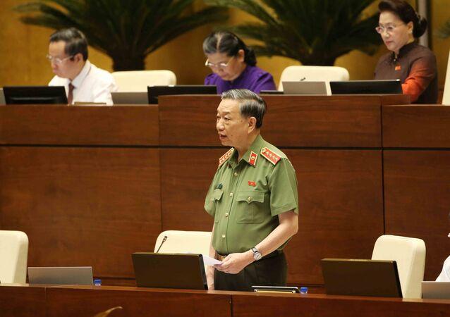 Đại tướng, Bộ trưởng Bộ Công an Tô Lâm trả lời chất vấn của đại biểu Quốc hội.