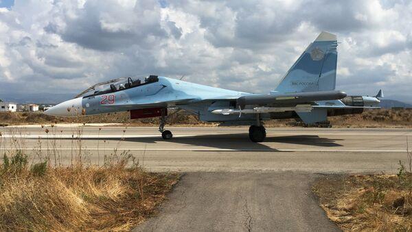 Máy bay Nga Su-30 tại căn cứ không quân Hmeymim ở Syria - Sputnik Việt Nam