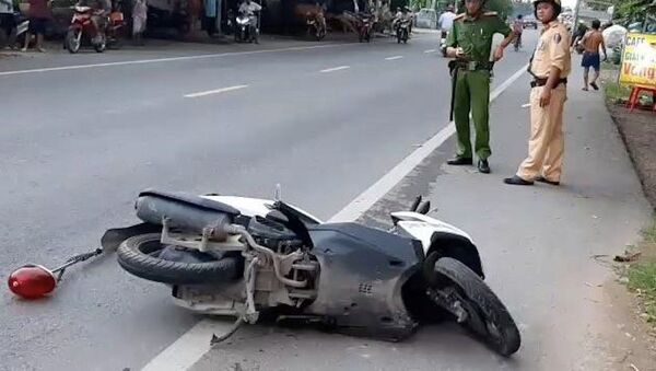 Xe máy do thượng uý cảnh sát điều khiển - Sputnik Việt Nam