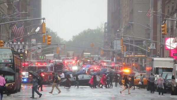 New York: Máy bay trực thăng rơi giữa trung tâm thành phố - Sputnik Việt Nam