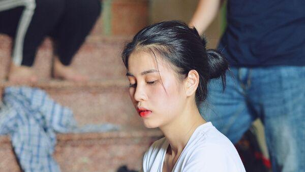 Thu Hương, cô gái có bộ ảnh khỏa thân trong hồ sen - Sputnik Việt Nam