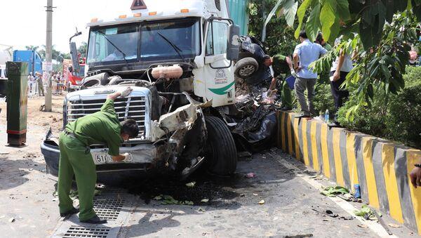 Tây Ninh: Tai nạn giao thông nghiêm trọng, 5 người tử vong tại chỗ - Sputnik Việt Nam
