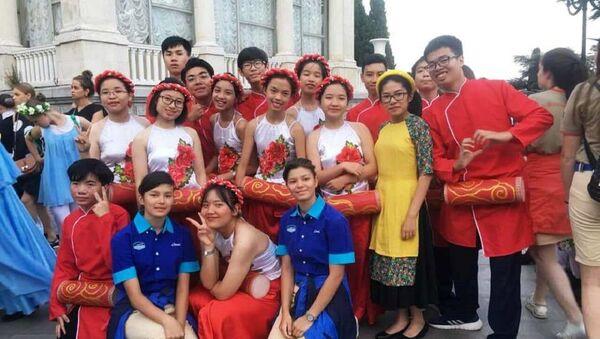 Chuẩn bị vào điệu múa Trống cơm - Sputnik Việt Nam