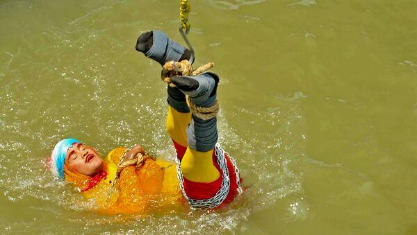 Ảo thuật gia mất tích khi thực hiện màn biểu diễn nguy hiểm dưới nước được tìm thấy đã chết - Sputnik Việt Nam