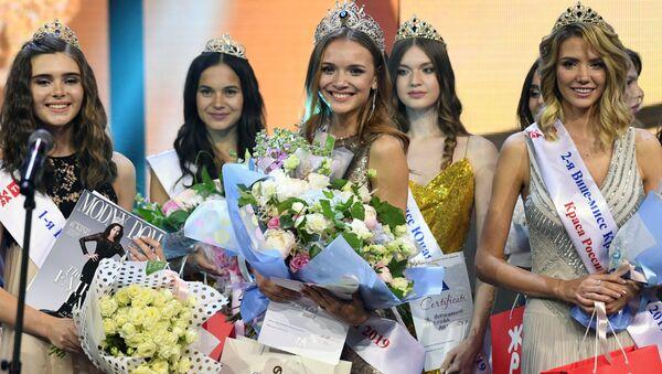 Người chiến thắng trong Festival sắc đẹp và tài năng lần thứ 25 Krasa Rossii-2019 Anna Bakseeva - Sputnik Việt Nam