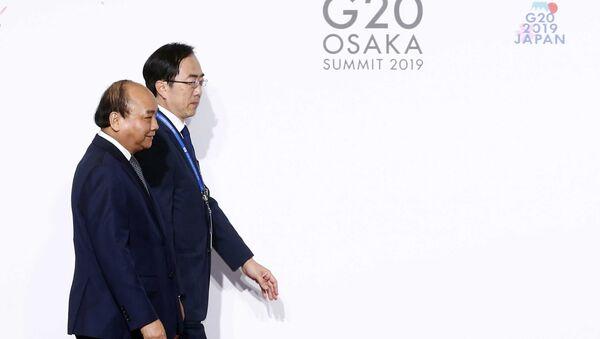Lễ đón Thủ tướng Nguyễn Xuân Phúc đến dự Hội nghị cấp cao Nhóm các nền kinh tế phát triển và mới nổi hàng đầu thế giới (G20). - Sputnik Việt Nam