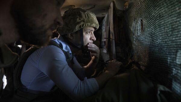 Vladimir Zelensky tới các cứ điểm của công lực Kiev ở Donbass - Sputnik Việt Nam