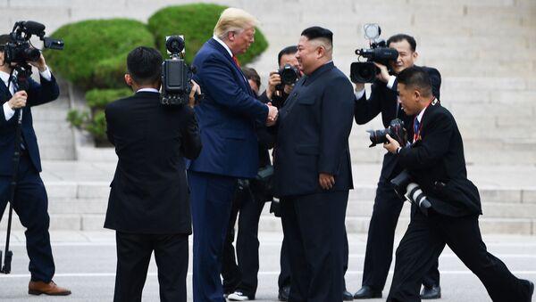 Donald Trump và Kim Jong Un  - Sputnik Việt Nam