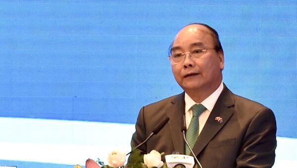 Thủ tướng Nguyễn Xuân Phúc phát biểu tại lễ ký - Sputnik Việt Nam
