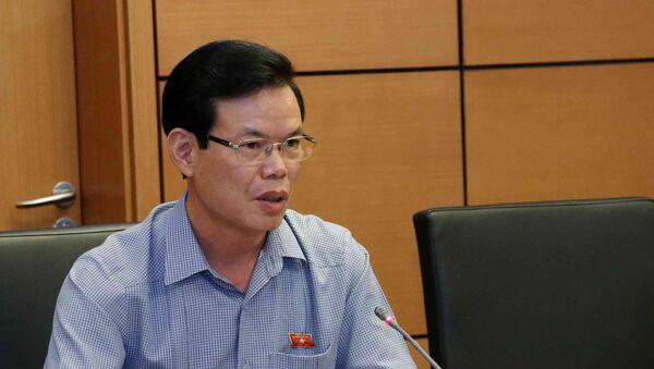 Đại biểu Quốc hội tỉnh Hà Giang Triệu Tài Vinh phát biểu tại tổ. - Sputnik Việt Nam
