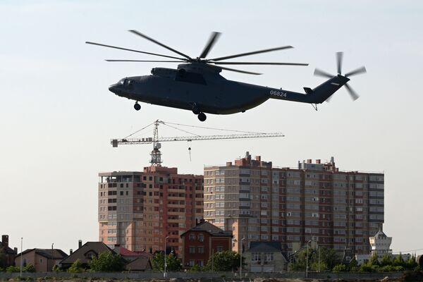 Máy bay trực thăng vận tải quân sự hạng nặng Mi-26T2 - Sputnik Việt Nam