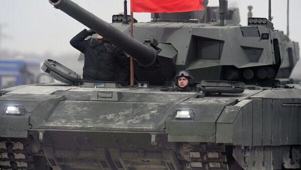 Танк Т-14 Армата во время репетиции парада Победы на полигоне в подмосковном Алабино - Sputnik Việt Nam