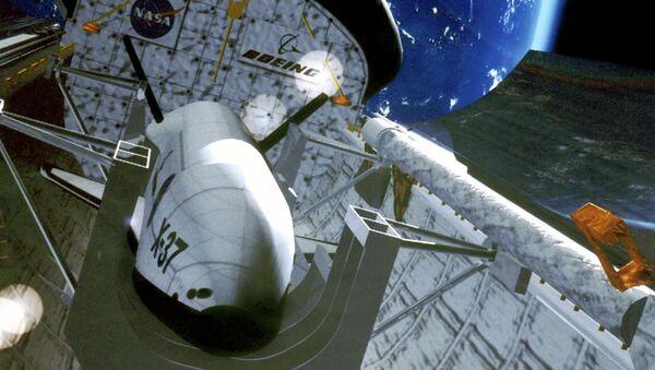 Tàu con thoi mini bí mật X-37B  - Sputnik Việt Nam