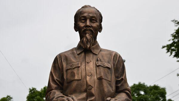 Nghi lễ khánh thành tượng đài CT Hồ Chí Minh tại Vladivostok - Sputnik Việt Nam