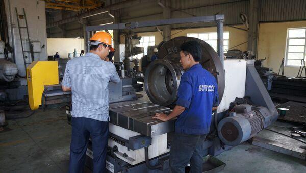 Thiết bị sản xuất lốp ô tô tại Việt Nam - Sputnik Việt Nam