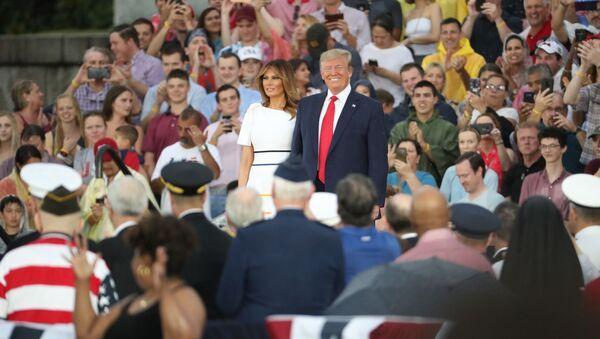Tổng thống Donald Trump và đệ nhất phu nhân Melania Trump - Sputnik Việt Nam