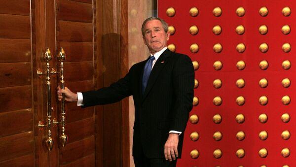 Tổng thống George Bush không thể mở cửa trong chuyến thăm cấp nhà nước tới Trung Quốc. - Sputnik Việt Nam