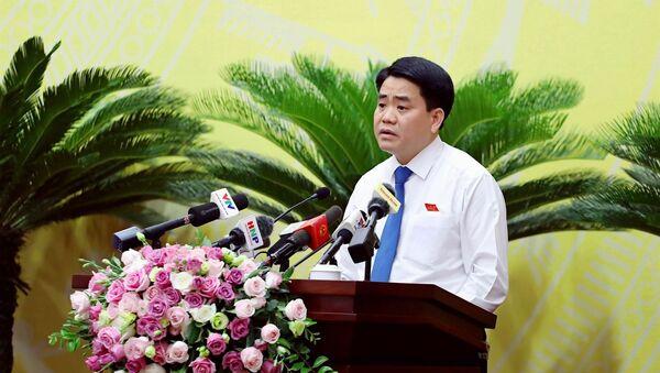 Chủ tịch UBND TP Nguyễn Đức Chung tại phiên chất vấn - Sputnik Việt Nam
