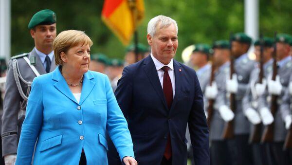 Thủ tướng Đức Angela Merkel và Thủ tướng Phần Lan Antti Rinne  - Sputnik Việt Nam