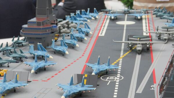 Mẫu của tàu sân bay thuộc dự án Lamantin tại Triển lãm hải quân Quốc tế diễn ra tại St. Peterburg - Sputnik Việt Nam