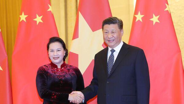 Chủ tịch Quốc hội Nguyễn Thị Kim Ngân hội kiến Tổng Bí thư, Chủ tịch nước CHND Trung Hoa Tập Cận Bình - Sputnik Việt Nam