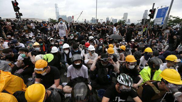 Cả ngàn nhà báo Hồng Kông đã xuống đường tuần hành - Sputnik Việt Nam