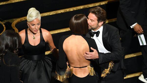 Lady Gaga, Irina Shayk và Bradley Cooper - Sputnik Việt Nam