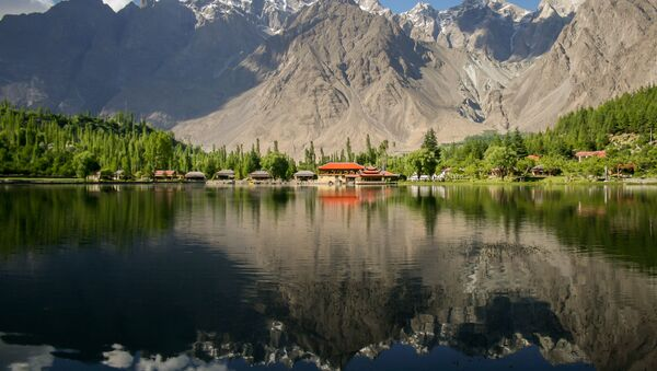 Hồ Lower Kachura  ở Pakistan - ảnh đoạt giải cuộc thi Wiki Loves Earth 2015  của nhiếp ảnh gia Zaeem Siddiq - Sputnik Việt Nam