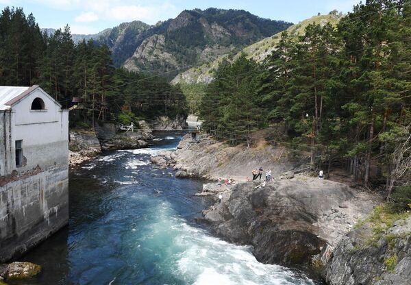Công viên giải trí mạo hiểm tại trạm thủy điện Chemalsky, khu vực Altai - Sputnik Việt Nam