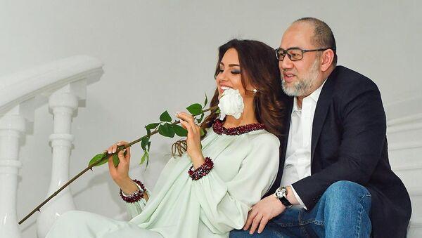 Hoa hậu Moskva-2015 Oksana Voevodina và Quốc vương Malaysia Muhammad V - Sputnik Việt Nam