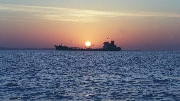 Tàu chở dầu của Iran ở Eo biển Hormuz - Sputnik Việt Nam