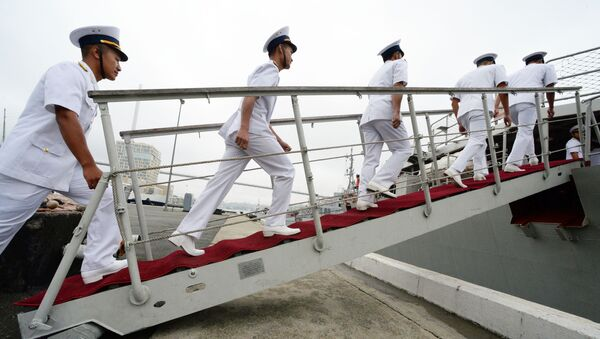 Lễ nghênh đón tàu khu trục Quang Trung của Hải quân Việt Nam tại Vladivostok - Sputnik Việt Nam
