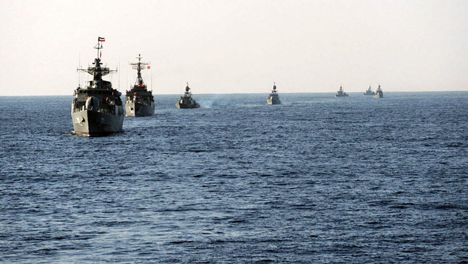 Hải quân của Iran ở eo biển Hormuz - Sputnik Việt Nam, 1920, 11.05.2021