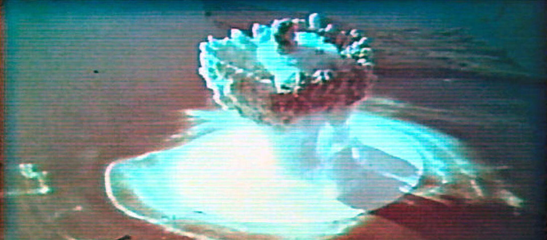 Vào mùa thu năm 1955, Liên Xô đã thực hiện vụ nổ hạt nhân dưới nước đầu tiên trên quần đảo Novaya Zemlya.  - Sputnik Việt Nam, 1920, 24.02.2021