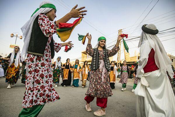 Người Kurd Syria trong lễ hội đường phố ở đô thị Rumaylan - Sputnik Việt Nam
