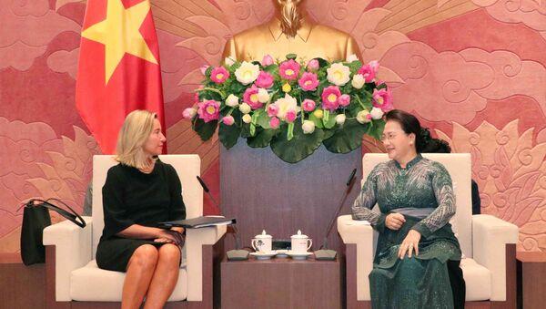 Chủ tịch Quốc hội Nguyễn Thị Kim Ngân tiếp Phó Chủ tịch Ủy ban châu Âu Federica Mogherini - Sputnik Việt Nam