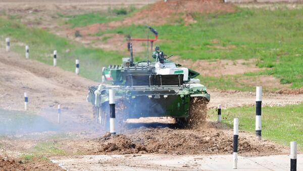 Một chiếc xe tăng сủa Iran tại Hội thao quân đội ARMY- 2019 - Sputnik Việt Nam