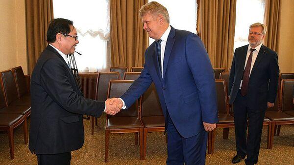 Trợ lý Tổng thống Nga Anatoly Seryshev gặp Bộ trưởng Nội vụ Việt Nam Lê Vĩnh Tân  - Sputnik Việt Nam