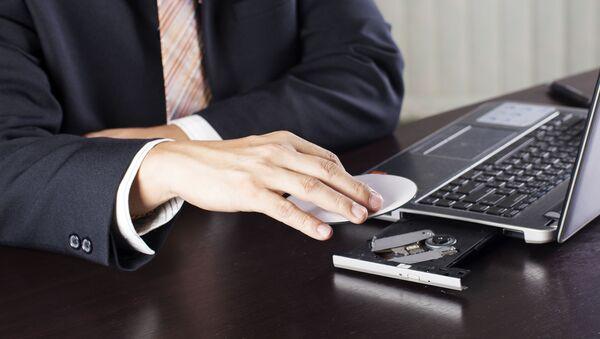 Doanh nhân với máy tính xách tay - Sputnik Việt Nam