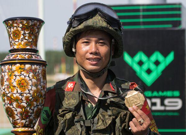 Kỹ sư quân sự Việt Nam giành vị trí thứ ba trong cuộc thi Tuyến đường an toàn tại ARMY-2019 - Sputnik Việt Nam