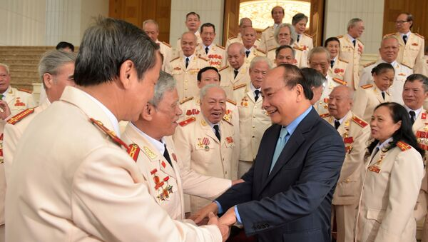 Thủ tướng gặp mặt đoàn cán bộ công an chi viện chiến trường miền Nam - Sputnik Việt Nam