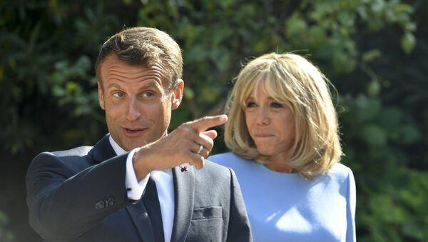 Emmanuel Macron và Brigitte Macron - Sputnik Việt Nam