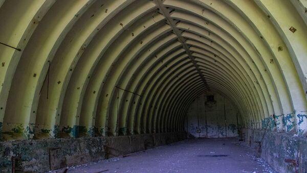 Hangar trong cơ sở bí mật Dvina bị bỏ hoang ở thị trấn Postav, Belarus - Sputnik Việt Nam