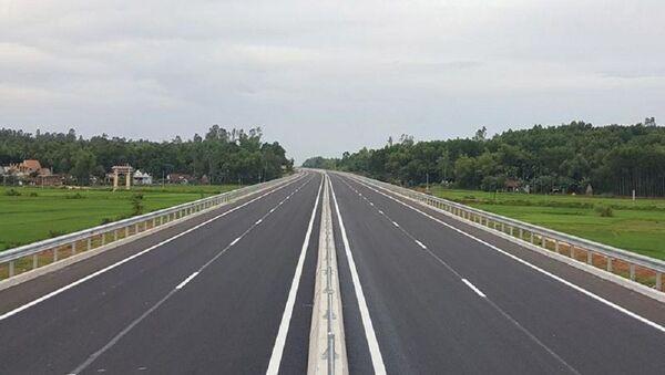 ới các dự án xây dựng đường cao tốc, doanh nghiệp trong nước rất khó đáp ứng điều kiện để tham gia đấu thầu. - Sputnik Việt Nam