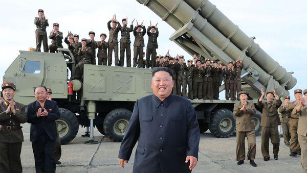Bệ phóng tên lửa mới siêu lớn của Triều Tiên  - Sputnik Việt Nam