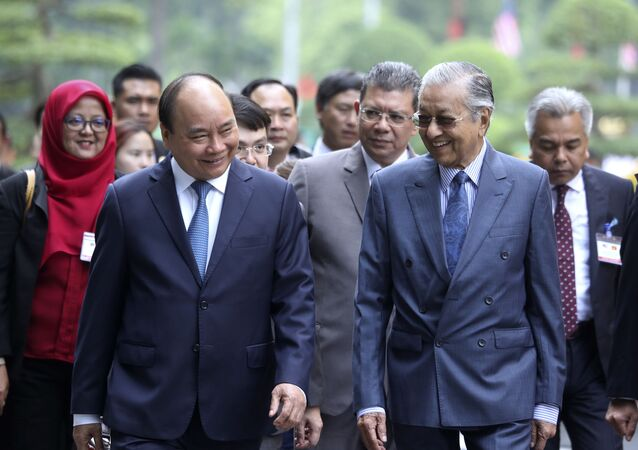 Thủ tướng Chính phủ Nguyễn Xuân Phúc và Thủ tướng Malaysia Mahathir Mohamad