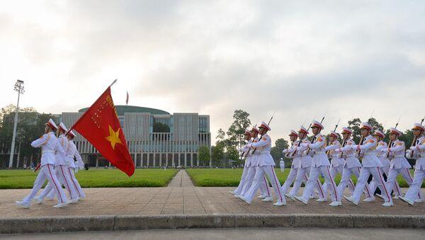 Lễ thượng cờ Tổ quốc trên Quảng trường Ba Đình dịp Quốc khánh 2/9 năm 2019.  - Sputnik Việt Nam
